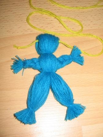 Кукла из ниток мальчик